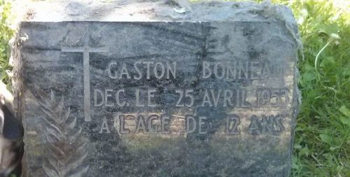 La pierre tombale de Gaston Bonneau