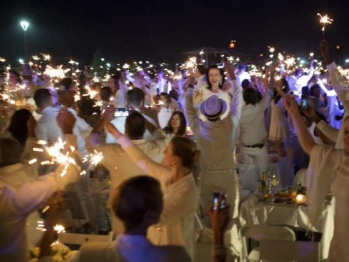 montreal-que-august-13-2015-during-the-diner-en-blanc