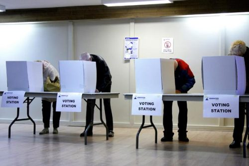 EDMONTON, ALBERTA, OCTOBER 18, 2010 : At the Capilano Community League, voters cast their ballots in Edmonton's civic election Monday, October 18, 2010. (photograph by Chris Schwarz/Edmonton Journal).