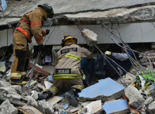 160417232630_resque_workers_ecuador_quake_624x460_afp_nocredit